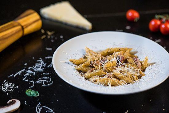 penne spaghete carbonara